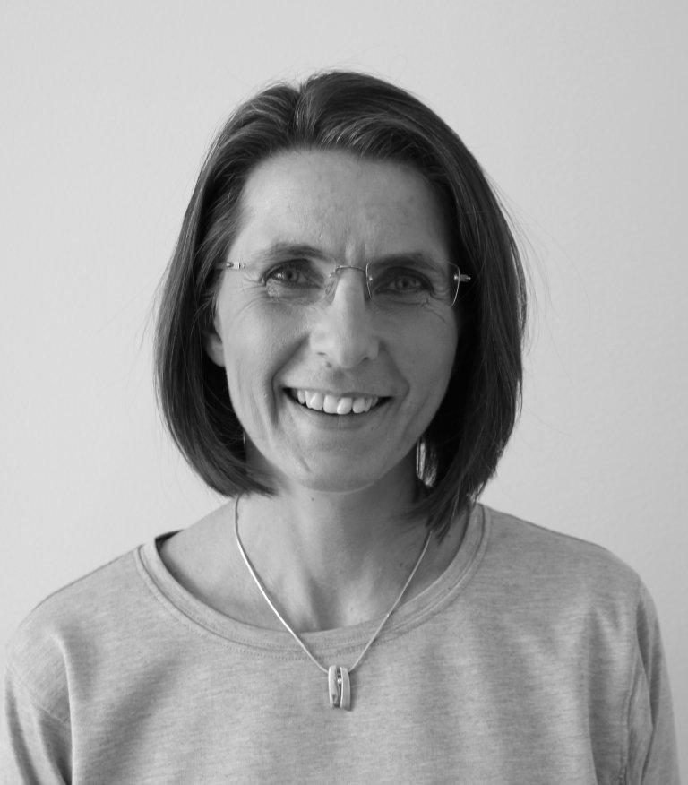 Sort-hvit foto Lill Tove Nilsen, fung. seksjonssjef miljøovervåking og radon- og UV-forvaltning i DSA